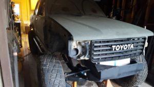 toyota-pickup-fj60-grille
